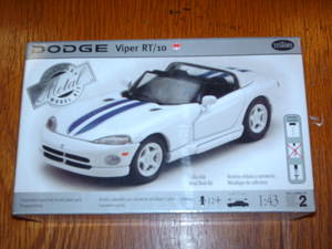 430020 Dodge Viper RT/10 Metal Model Kit